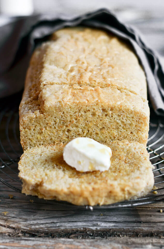 Healthy 5 Minute gluten free sandwich bread. Easy paleo diet recipes. Best gluten free bread.