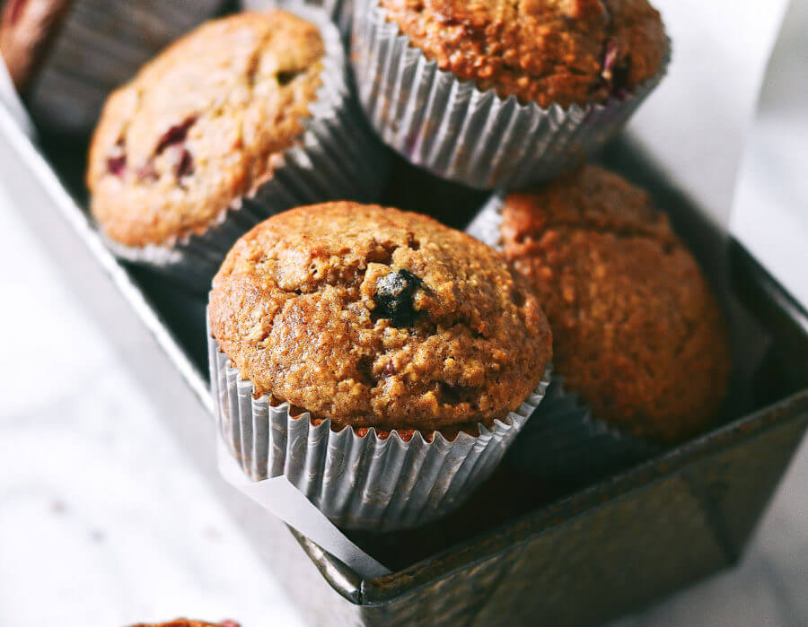 5 Min Flourless Blender Berry Muffins