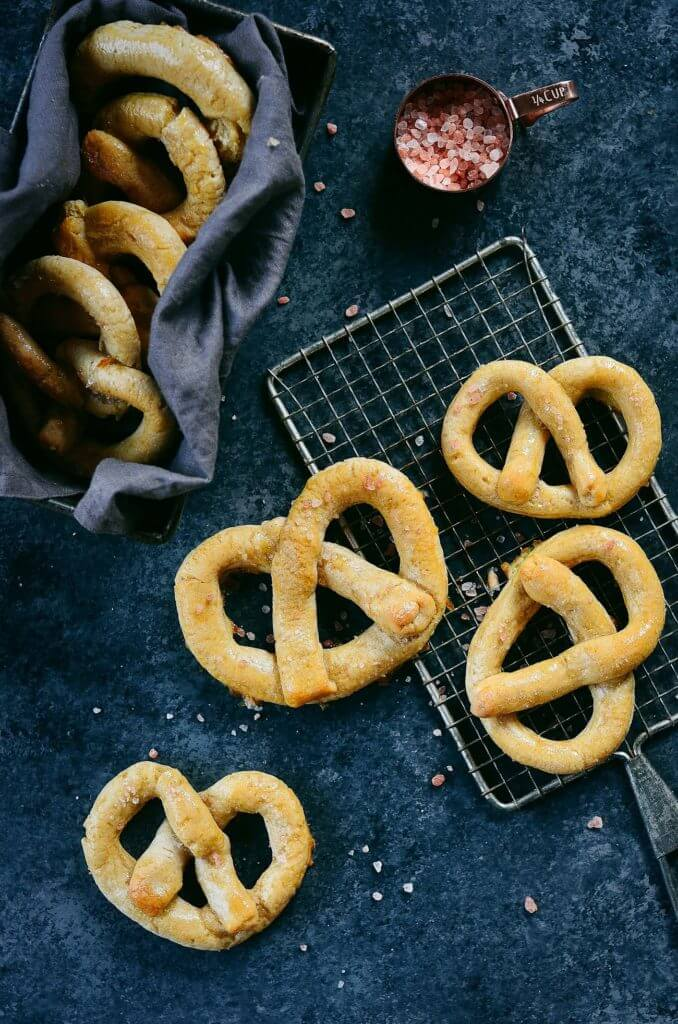 Best easy paleo diet pretzels. Made in a few mins. Yeast free. Nut free. Easy gluten free pretzel recipe. Homemade gluten free paleo pretzels. Easy gluten free pretzel recipe for kids. Paleo pretzel recipe.