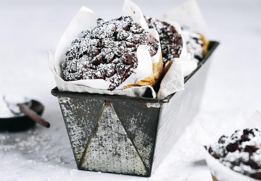 5 Minute Flourless Chocolate Banana Zucchini Muffins