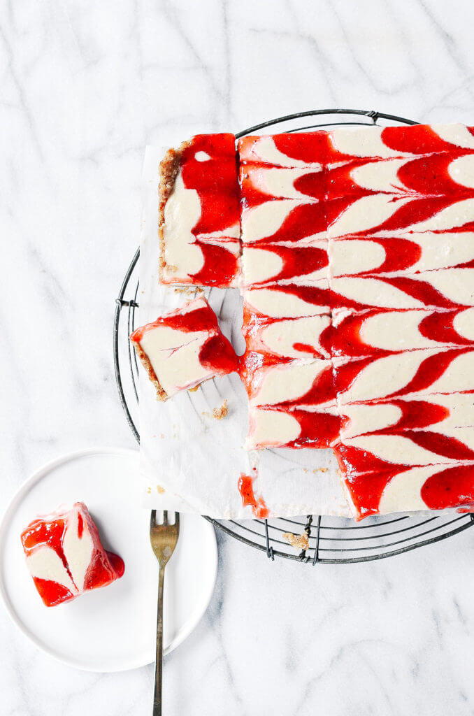 Easy Strawberry Cheesecake from paleoglutenfree.com. I was researching vegan gluten free cheesecake recipes and this looks incredible! This would be super fun for a party! Collected on FoodKollective.com