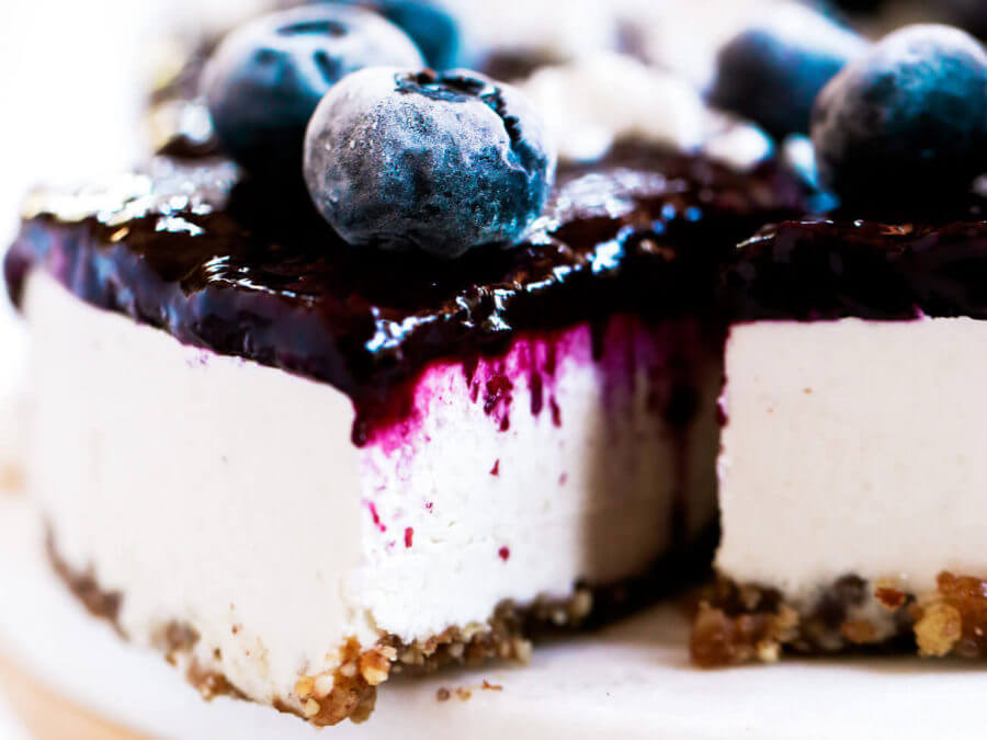 Vegan Blueberry Yogurt Cheesecake