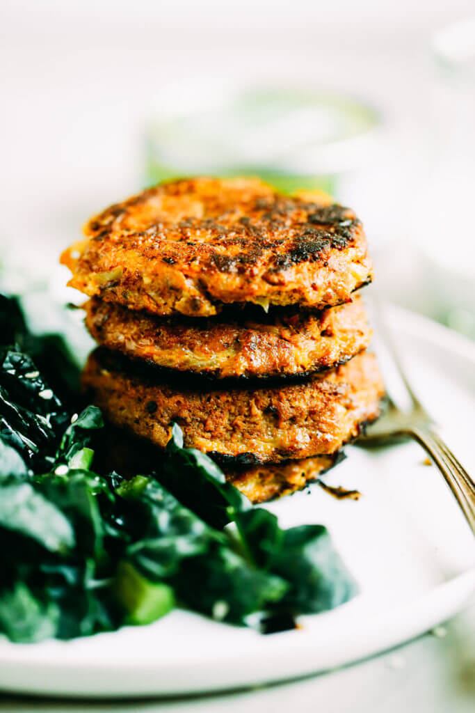 Must add to the menu this week! Healthy, whole30, and paleo friendly wild tuna cakes made with low mercury chili lime tuna.Easy Whole30 recipes. Best paleo shopping guide. Easy whole30 lunch recipes. Easy whole30 lunch ideas. Whole30 lunch recipes. Best whole30 lunch recipes. Easy whole30 lunch recipes. Healthy whole30 breakfast recipes. Easy whole30 dinner ideas.