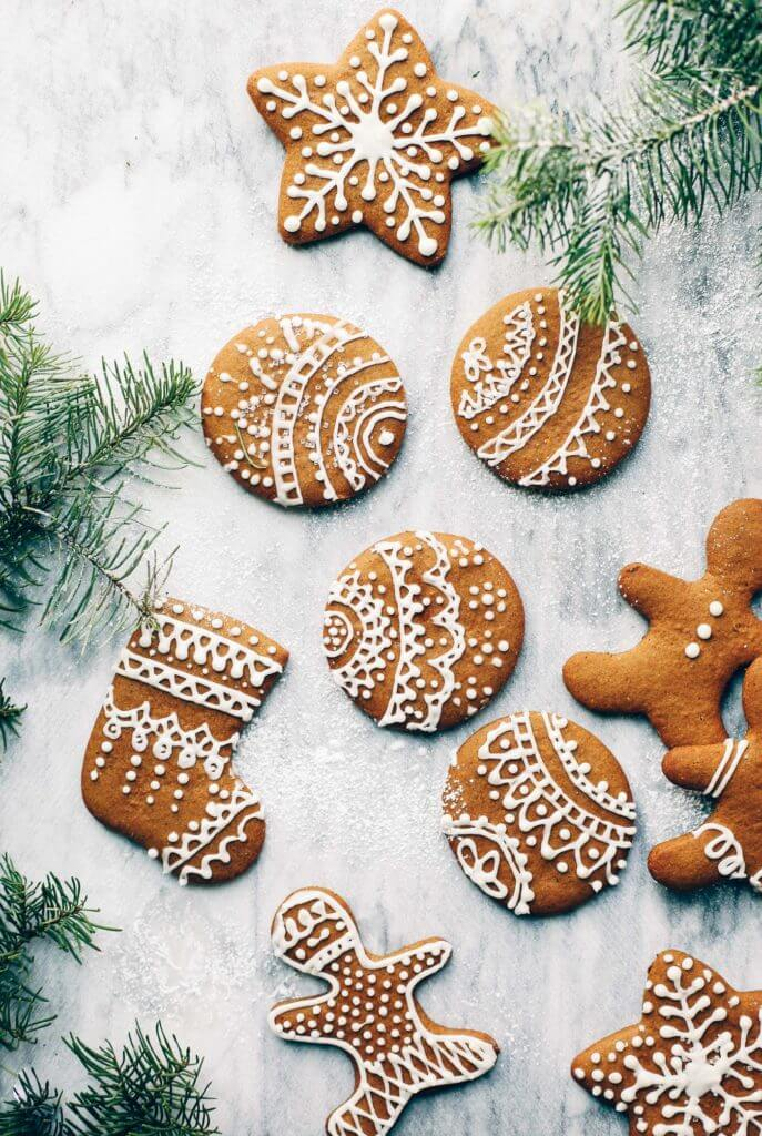 This grain free, refined sugar free gingerbread cookie recipe not only makes delicious cookies- it's perfect for making gingerbread houses! (Paleo, gluten free, dairy free). Easy gluten free gingerbread cookies. Soft Gingerbread cookies. Almond flour gingerbread cookies. Paleo vegan gingerbread cookies. Best gluten free gingerbread cookies. Low carb gluten free gingerbread cookies.