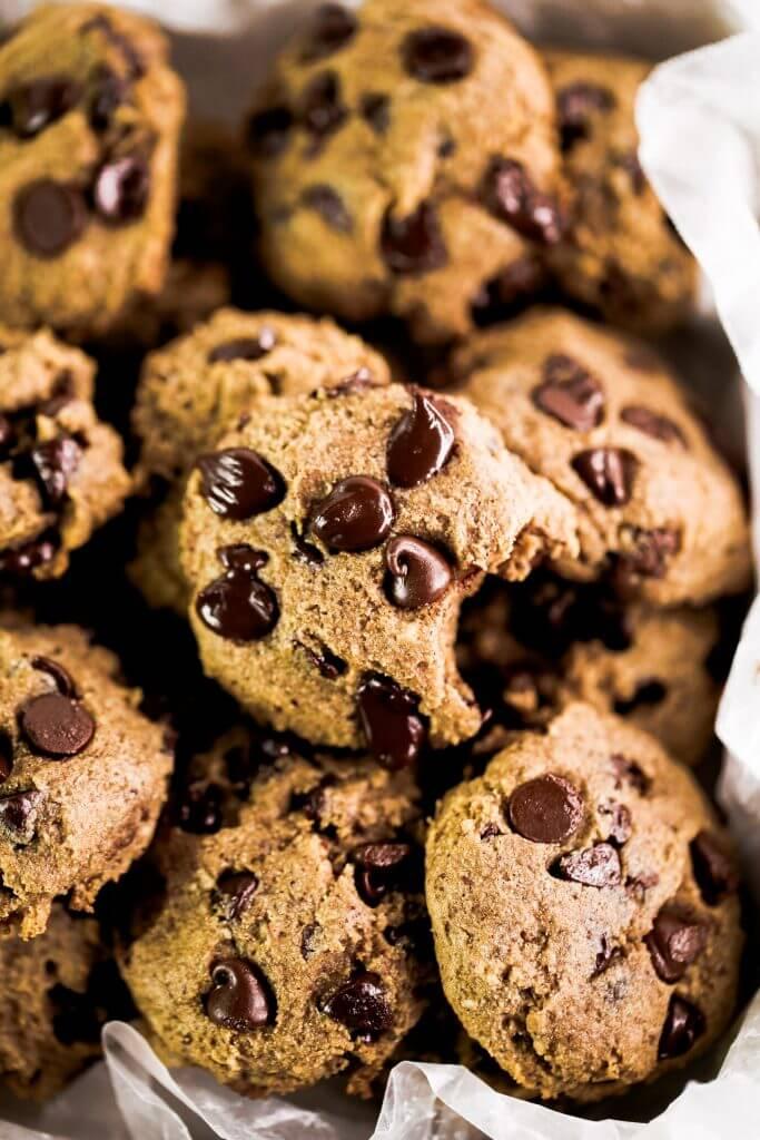 https://paleoglutenfree.com/recipes/chocolate-chip-cookies-paleo-gluten-free/